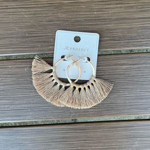 Gold Earrings NWT
